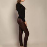 Кожаные брюки бордового оттенка 4