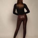 Кожаные брюки бордового оттенка 3