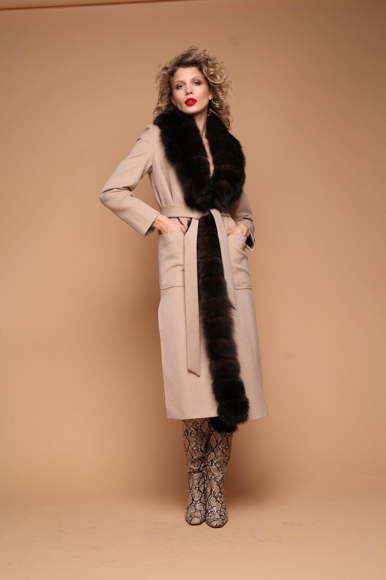 Удлиненное пальто с мехом норки 1