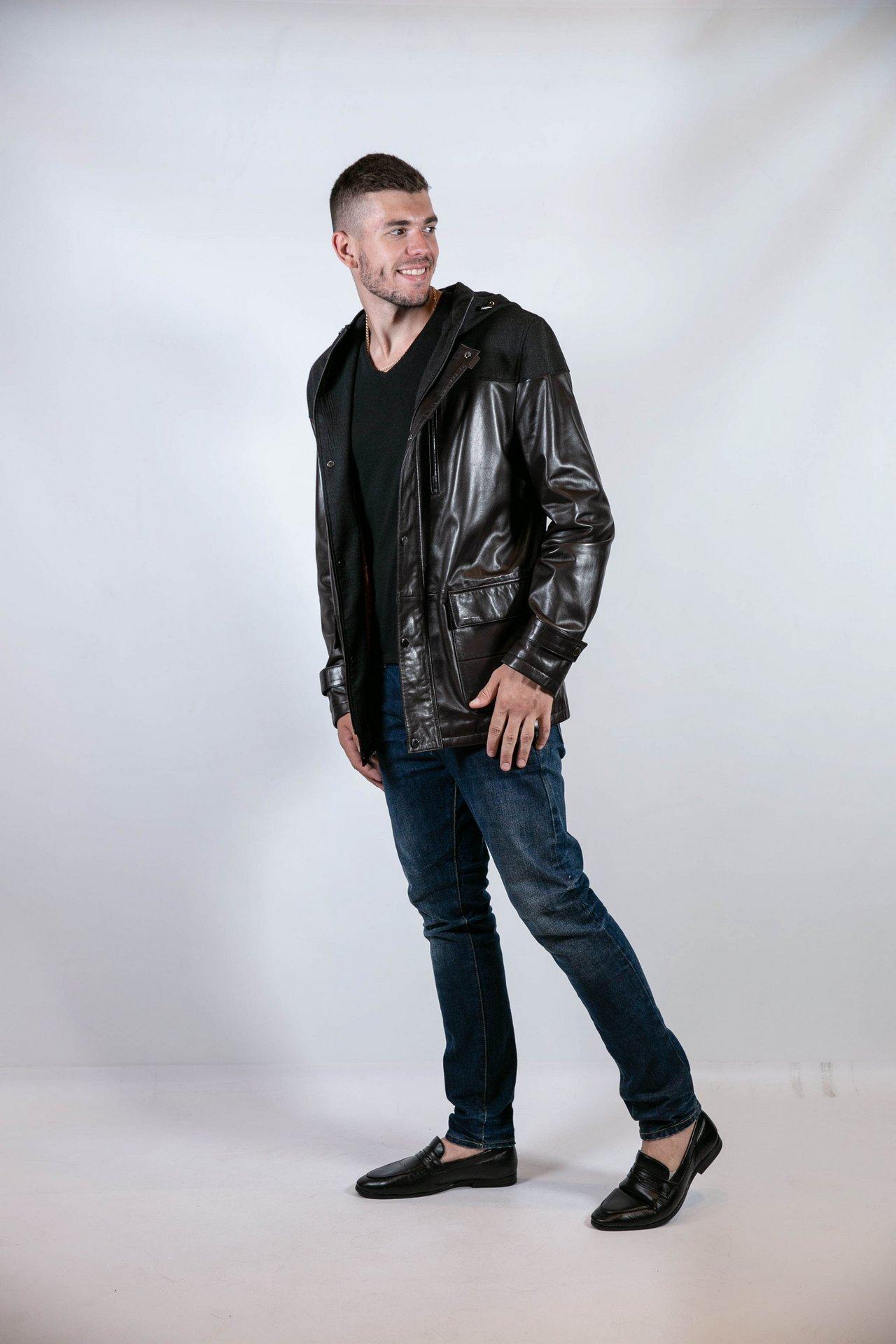 Стильная кожаная куртка с капюшоном 1