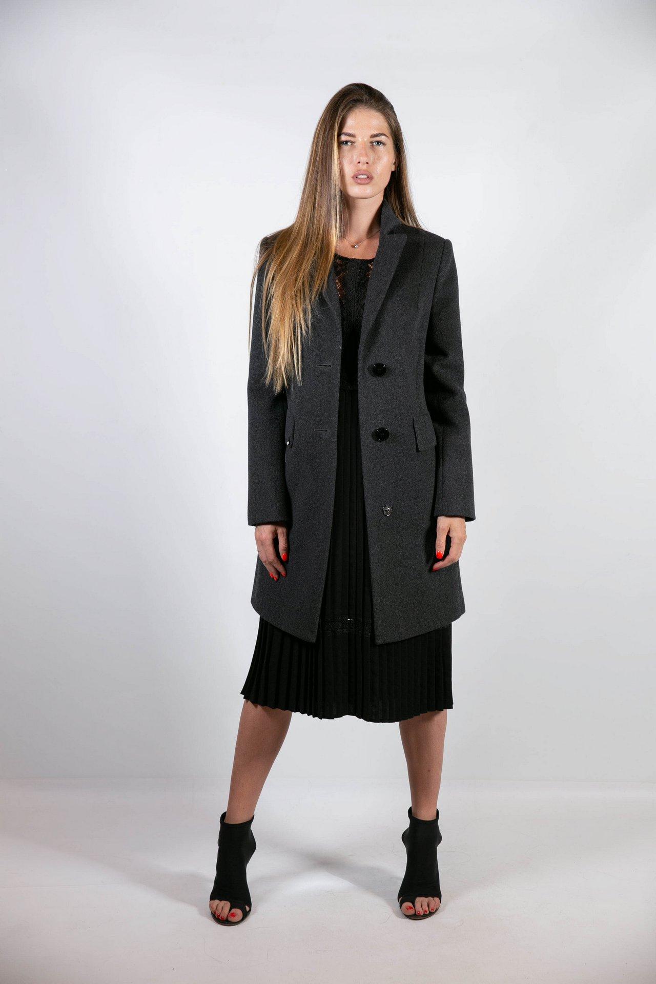Классическое базовое пальто черного цвета графит 1