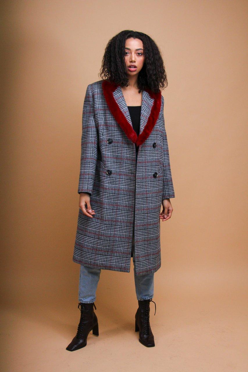 Кашемировое пальто с воротом из норки 1