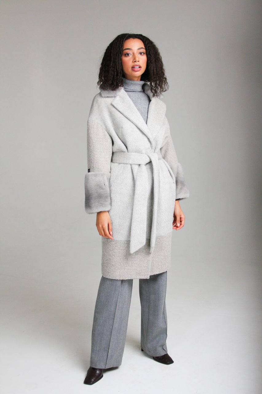 Пальто среднией длины с элементами отделки из норки 1