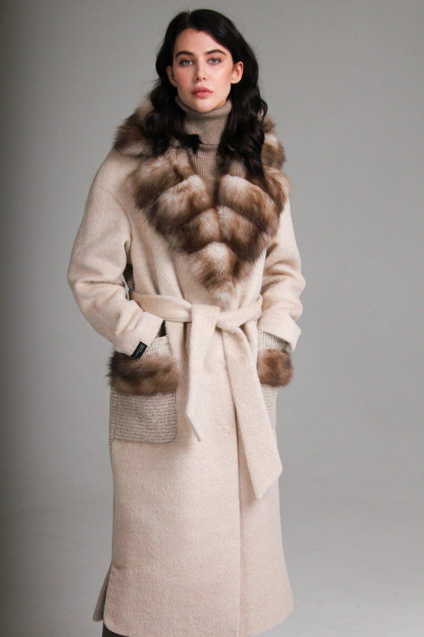 Пальто из беби альпака с элементами отделки из куницы 1