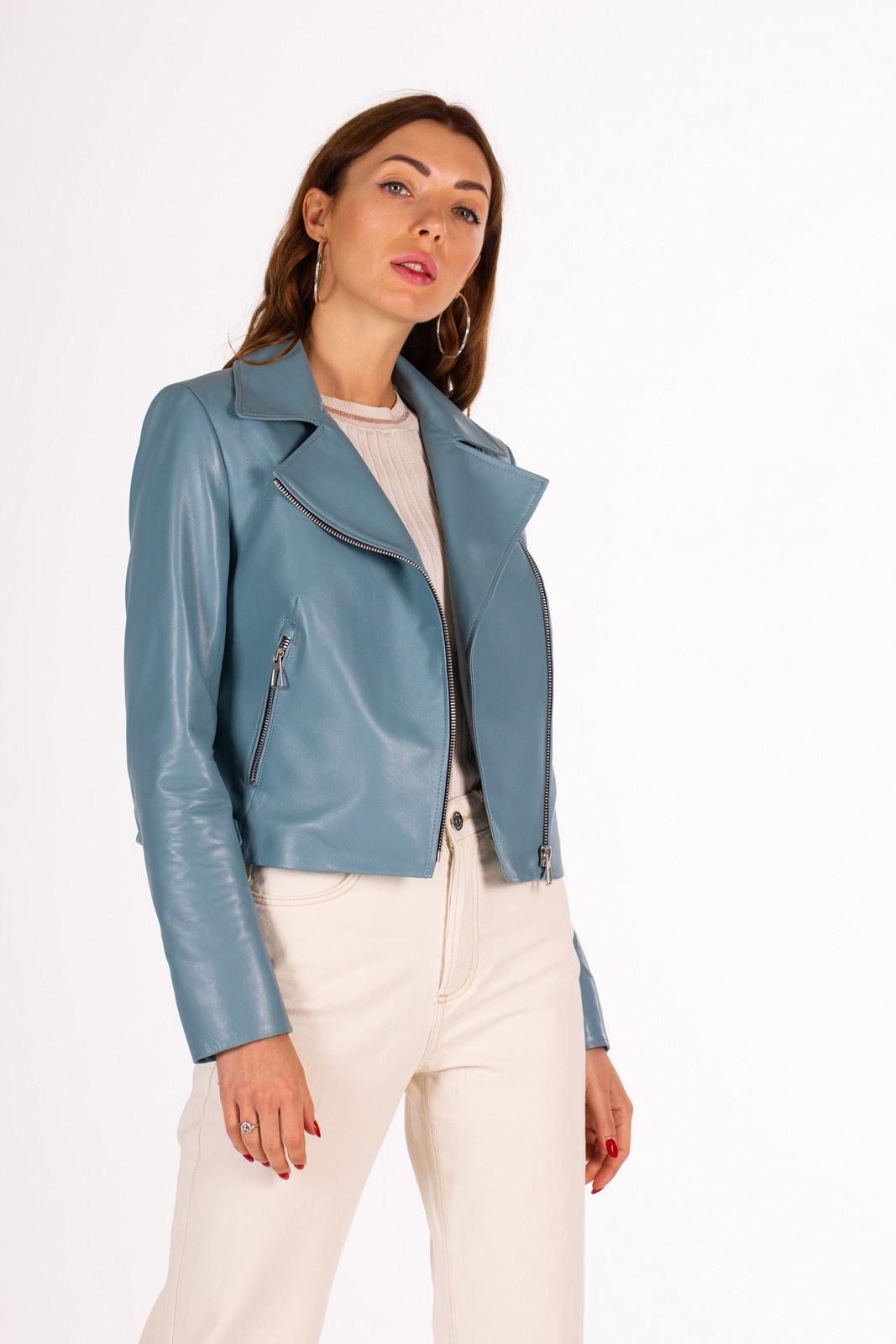Стильная кожаная куртка 1