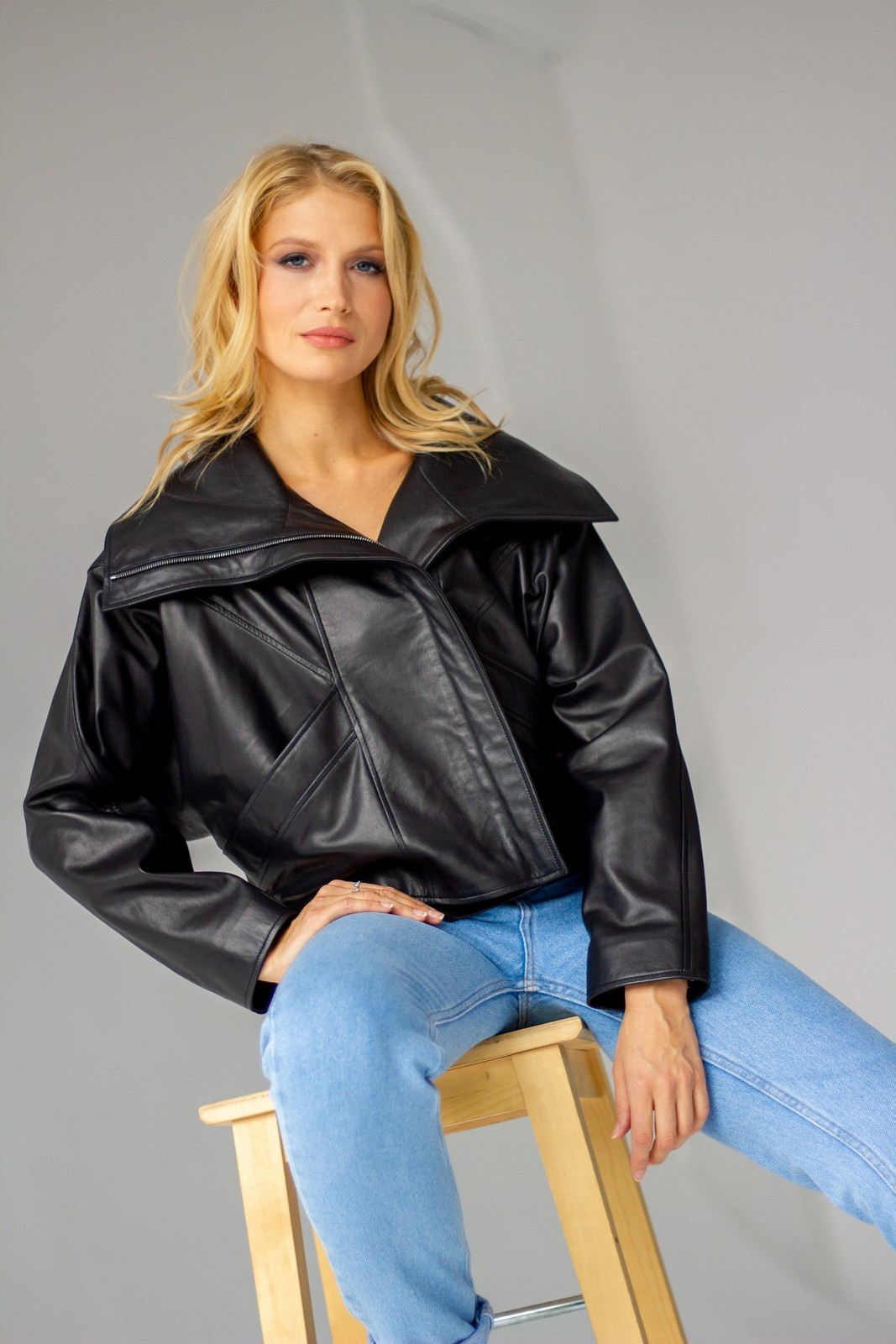 Супер стильная кожаная куртка оверсайз 1
