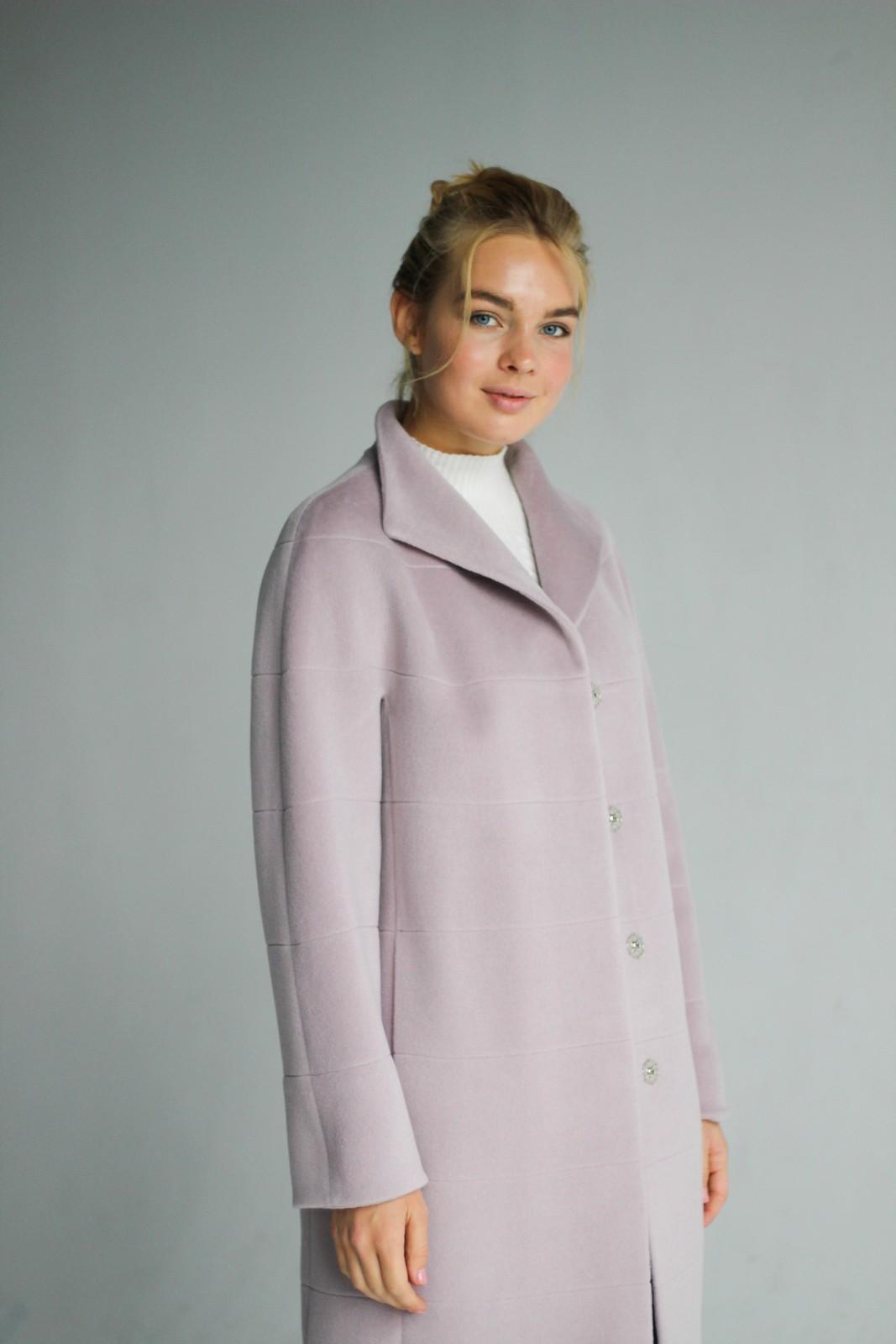 Пальто цвета нежной лилия 1