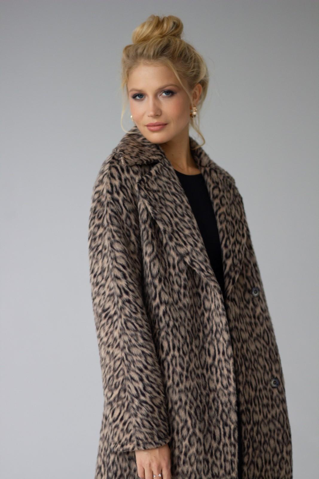 Леопардовое пальто 1