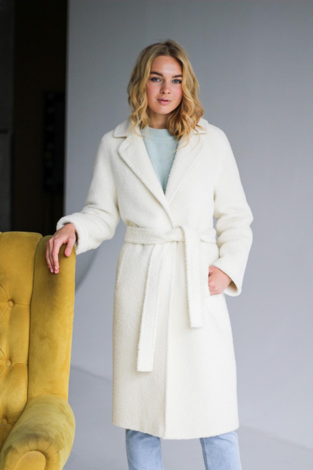 Шикарное пальто молочного цвета 1