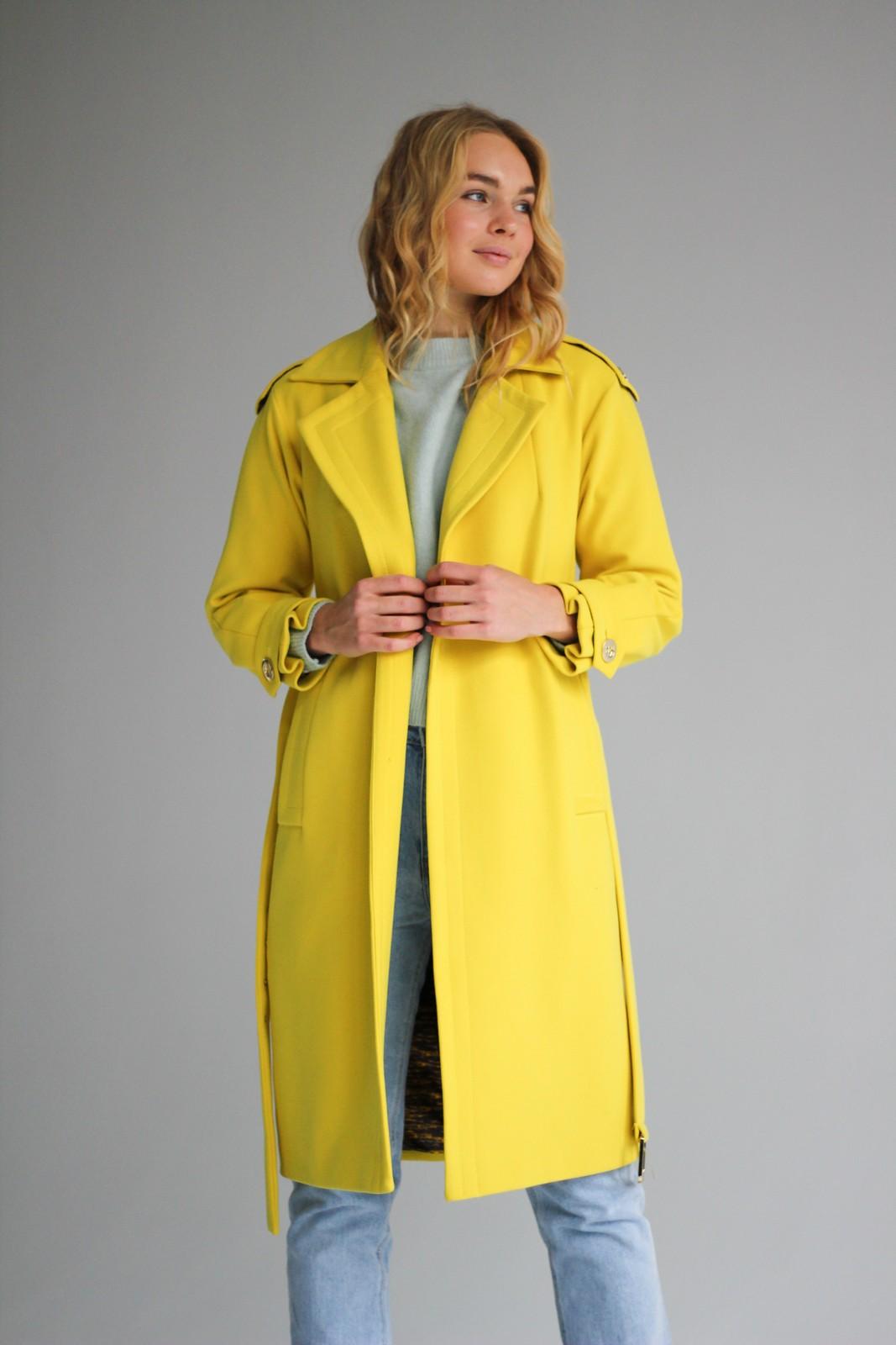 Пальто цвета свежий лайм 1