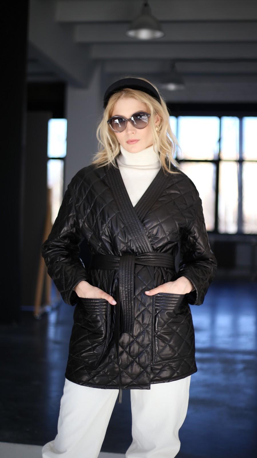 Куртка - жакет из натуральной кожи черного цвета 1