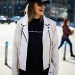 Стильная и красивая кожаная куртка - косуха молочного цвета 3