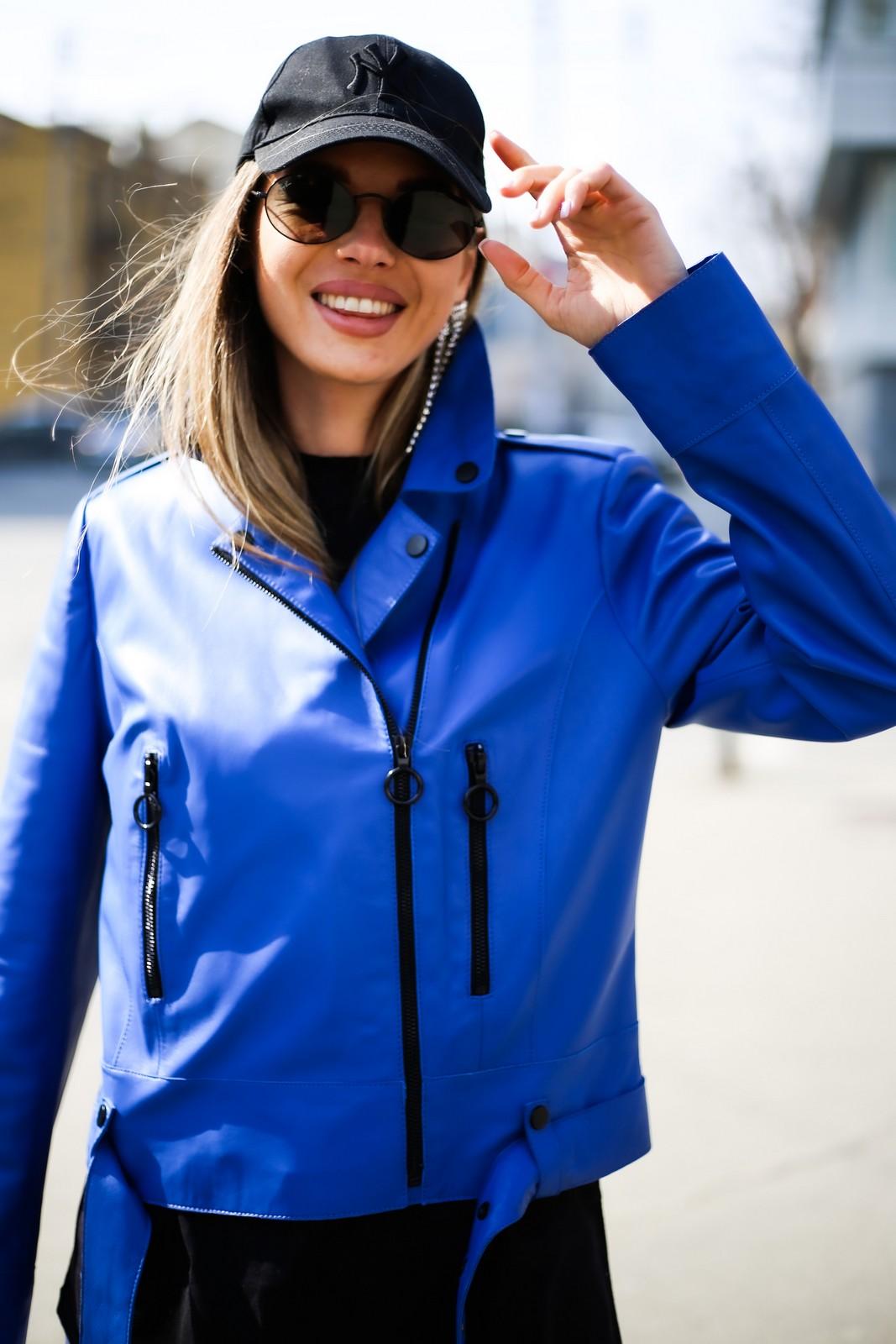 Кожаная куртка - косуха яркого насыщенного цвета синий электрик 1