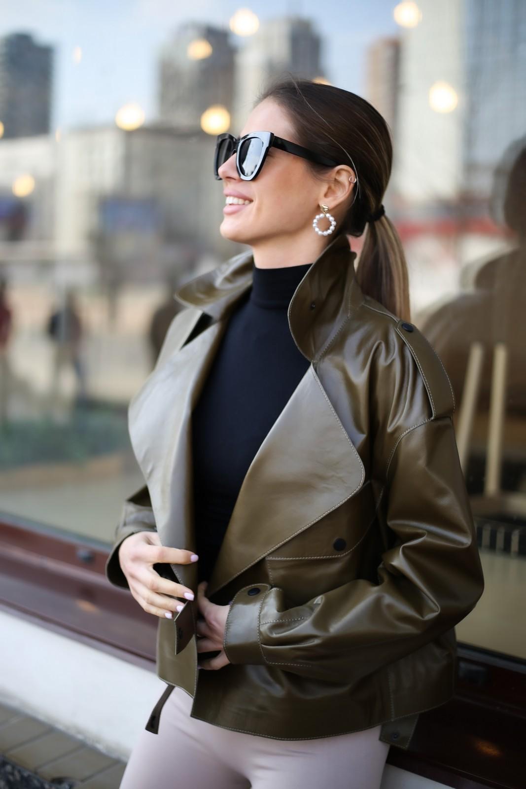 Кожаная куртка - косуха в стиле Celine цвета хаки 1