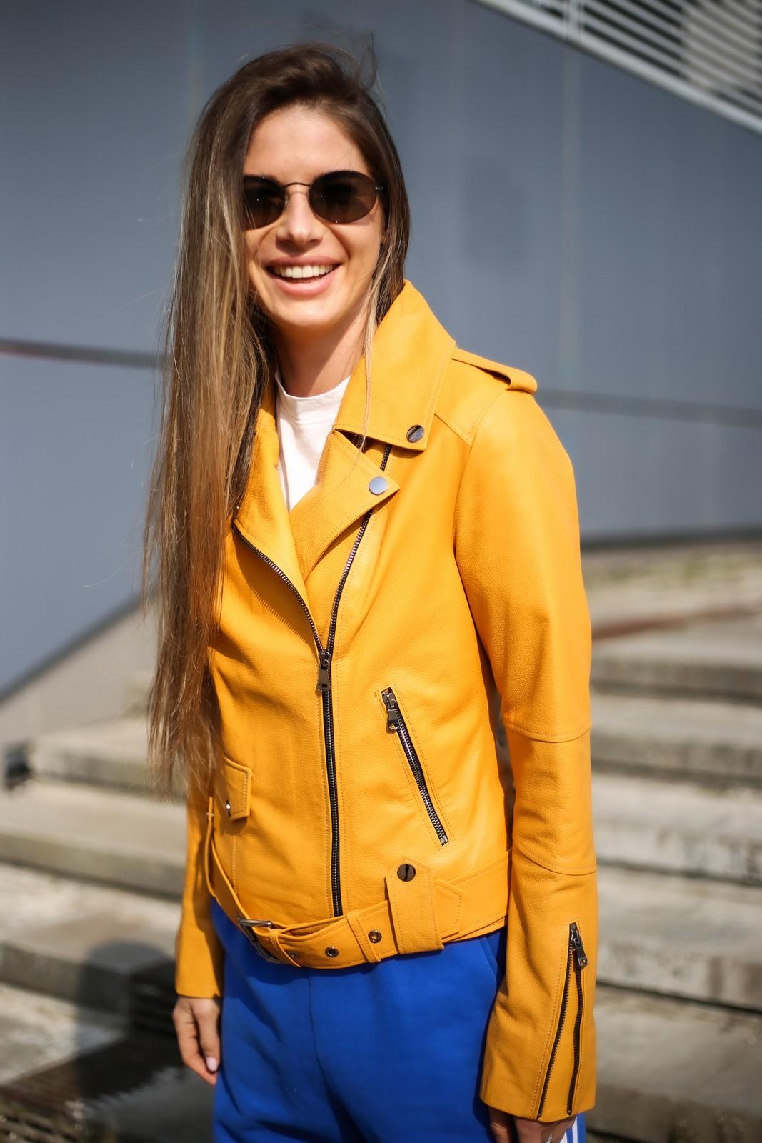 Куртка - косуха из натуральной кожи в цвете насыщенного шафрана 1