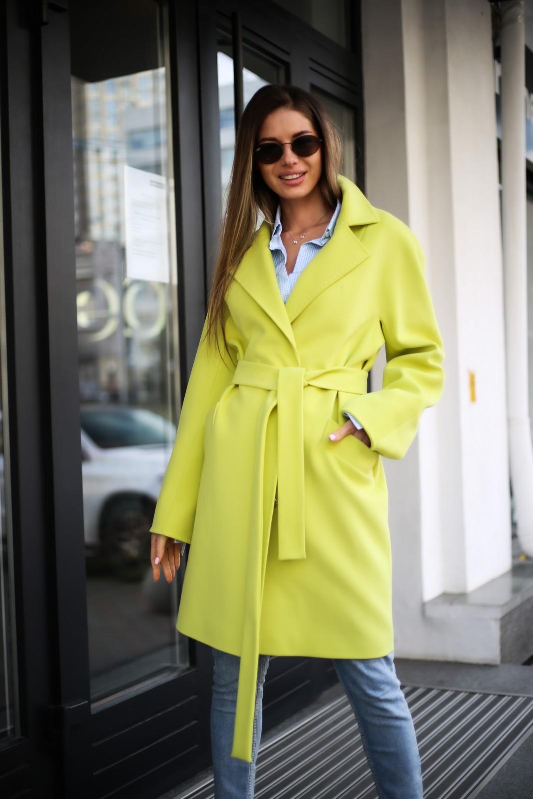 Полушерстяное пальто цвета канарейка 1