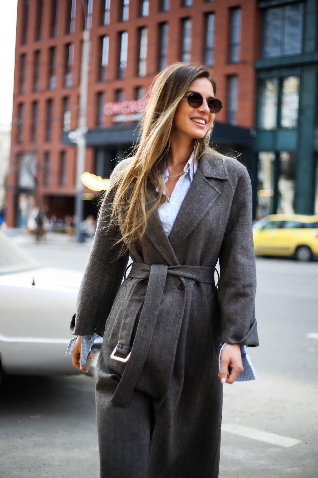 Очень стильное пальто из тонкой натуральной шерсти 1