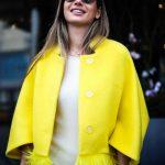 Яркое и солнечное пальто из натуральной шерсти 5