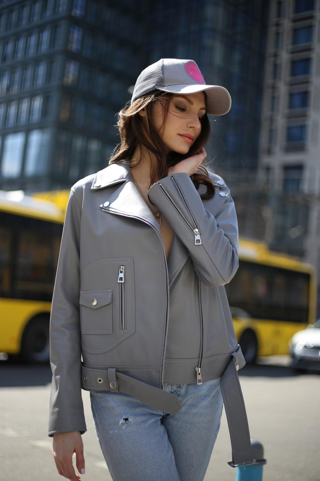 Куртка из кожи серого цвета 1