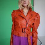 Куртка кожаная цвета мандарин 2
