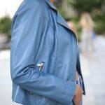 Куртка из натуральной кожи голубого цвета 4