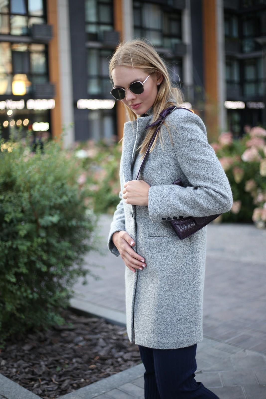Пальто из меланжевой шерсти мериноса серого цвета. 1