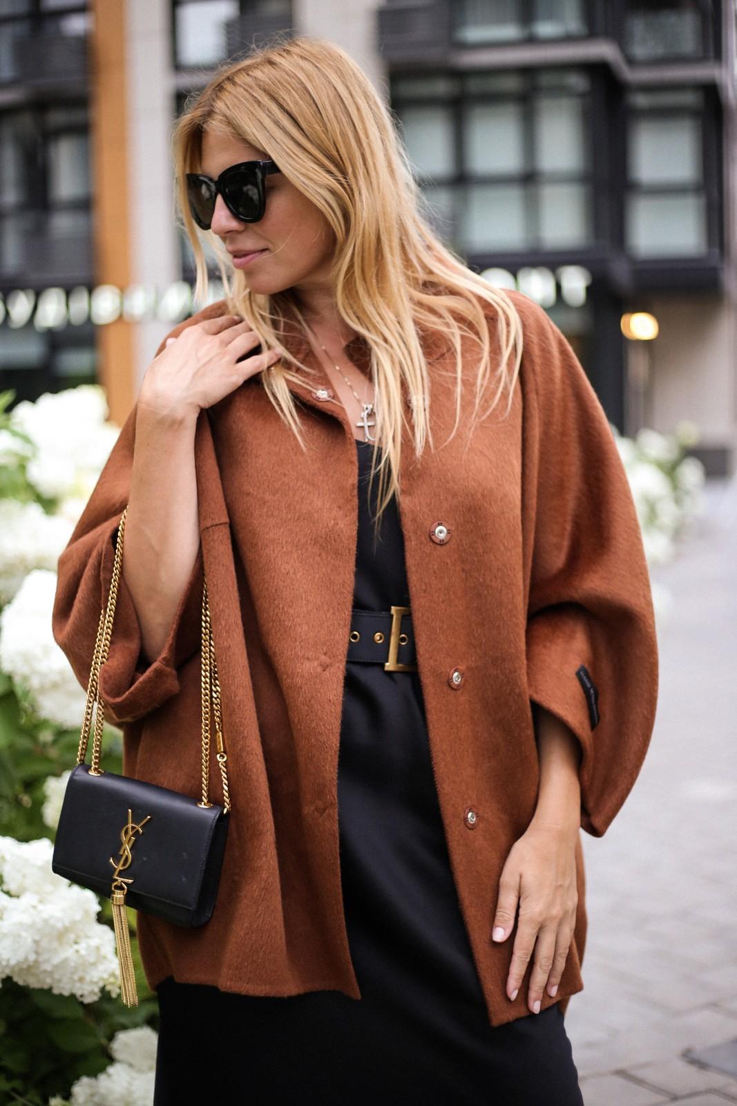 Пальто пончо из шерсти альпаки и кашемира цвета корицы. 1